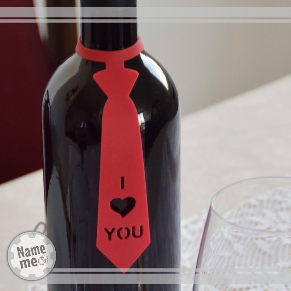 תווית לבקבוק יין בכיתוב - I Love You